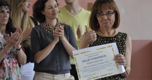 Véronique Uzan reçoit la médaille de la ville